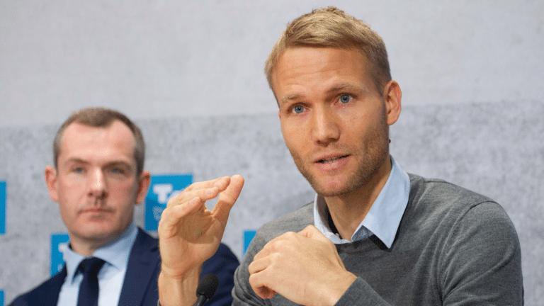 Dr. Utz Niklas Walter des IFBG und Jens Baas der Techniker Krankenkasse auf der Pressekonferenz der Studie whatsnext2020.